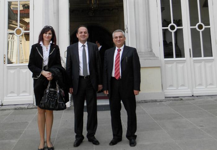 Το Δήμαρχο, συνόδευσαν, η Πρόεδρος της ΔΗΚΕΠΑΠ κ. Ερασμία Λούσπα και ο δημοτικός σύμβουλος κ. Κωνσταντίνος Δεληγιαννίδης.
